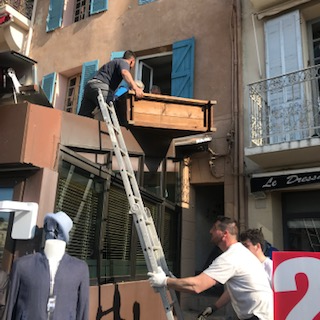 moving in Cassis