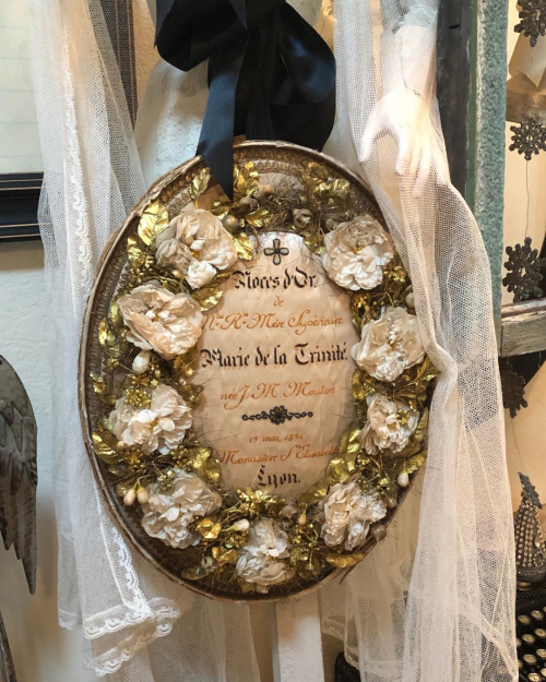 one of my first finds in paris's brocante 10 years ago.. a metallic embroidered memoriam celebrating a weddings