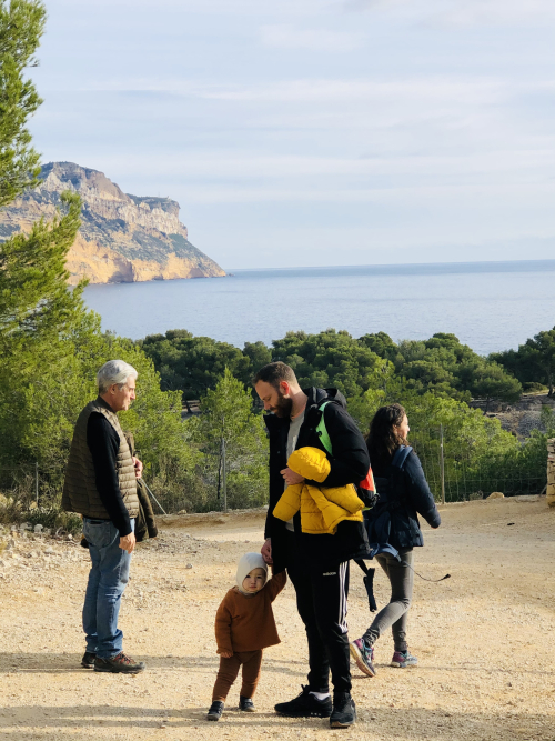 sunday in Cassis promenade