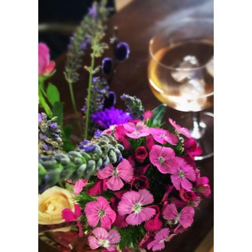 French la Vie Flowers-84A6-4F80-9130-34D3E3E35461