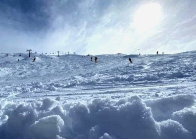 Coronet Peak is in the midst of a three-day spring snow storm with 15cm of fresh snow on Tuesday morning.