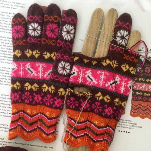 Here is my work in progress, knitting Estonian gloves originated in Muhu