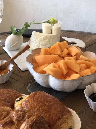 melon and croissants